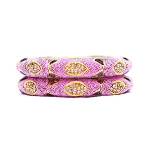 This bangle is made using hot pink, blue and golden coloured beads to give you an accessory that will work perfectly well with your everyday outfits.